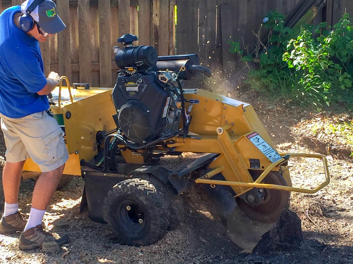 Fill Dirt Gravel Topsoil Stump Grinding Mason Sand